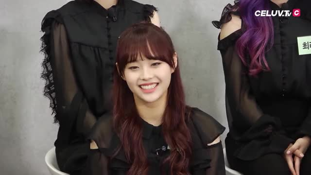 Watch Chuu GIF by @savvy33 on Gfycat. Discover more Chuu, Heart, Loona GIFs on Gfycat