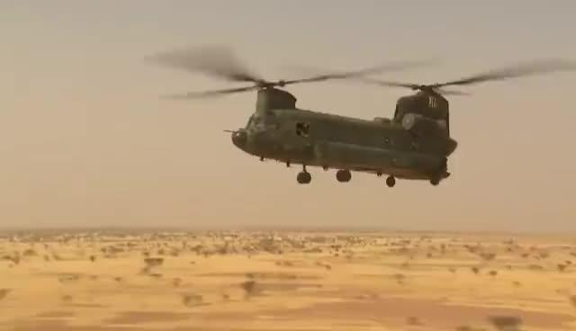 Vliegend hulpverlenen in Mali GIFs