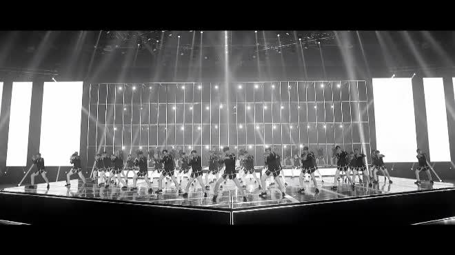 Show cứu vớt hào quang The Unit tung teaser sân khấu hoành tráng, Bi-Rain xuất hiện như một vị thần