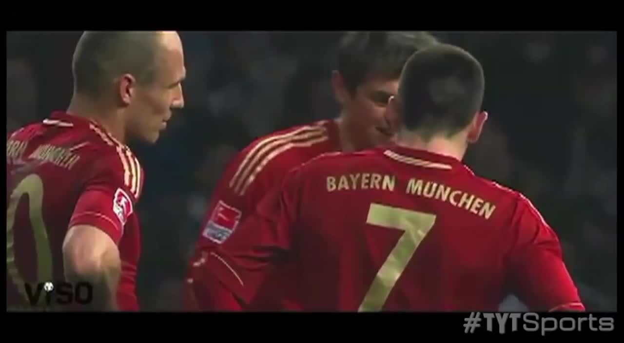 sportsarefun, Kroos & Ribery play rock-paper-scissors to to decide who takes the free-kick (reddit) GIFs