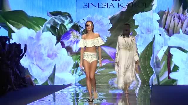 Watch SINESIA KAROL Resort 2019 Paraíso Fashion Fair-ou3b0lQR0Gk-Scene-009 GIF by @online3782 on Gfycat. Discover more related GIFs on Gfycat