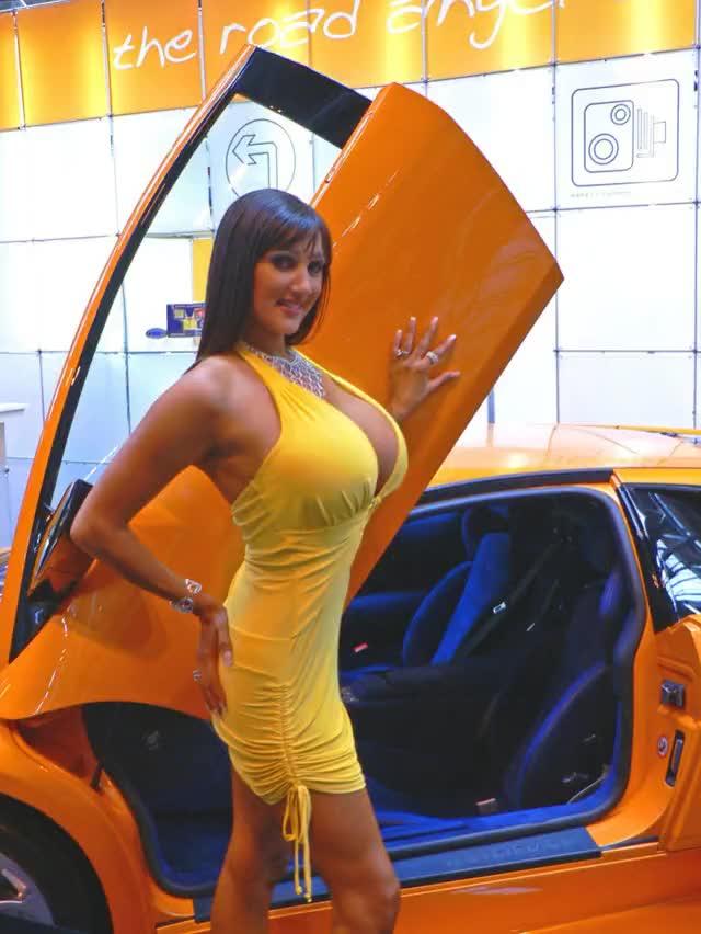 Boob car show — img 4