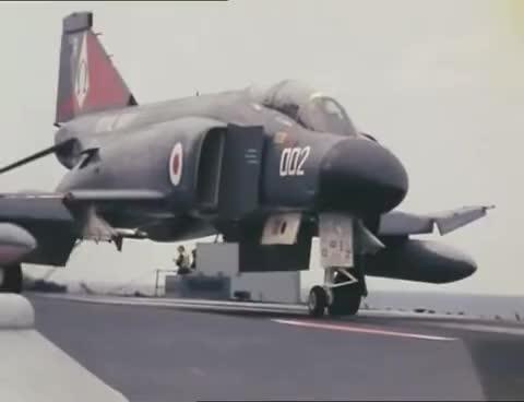 HMS Ark Royal aviation opération GIFs
