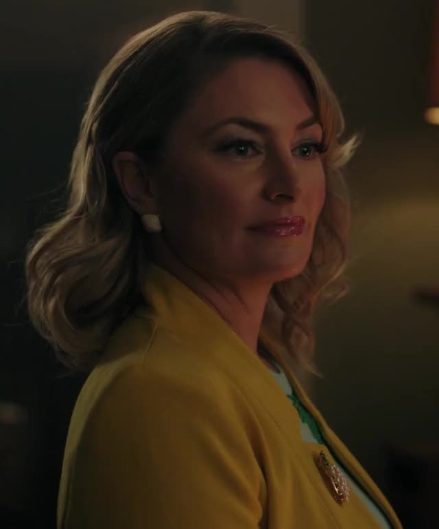 Watch and share Madchen Amick GIFs and Riverdale GIFs by Quacksterz on Gfycat