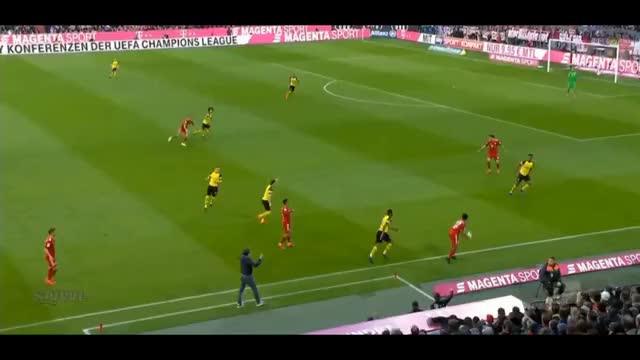 Watch and share Lewandowski First Touch Turn Vs Dortmund 18.19 GIFs by FIFPRO Stats on Gfycat