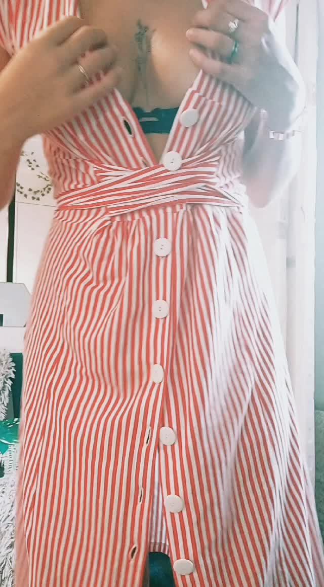 how do u guys like my fresh dress ?