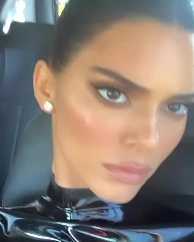 Watch and share Kendall Jenner GIFs by Fia on Gfycat