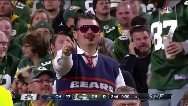 Barstool Sports, barstool sports, bears, chicago bears, green bay packers, packers, Barstool Sports - 🗣DAAAAA BEARS GIFs