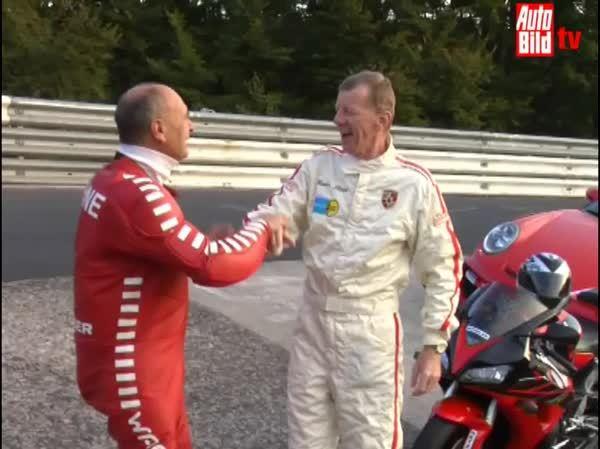 Porsche GT2 gegen Honda CBR 1000 - Auto gegen Motorrad (reddit) GIFs