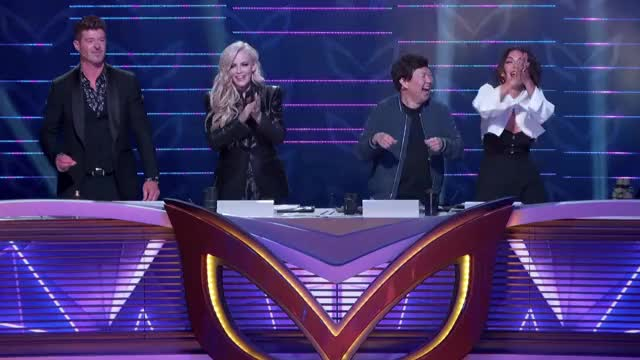 Watch this masked singer GIF by The Masked Singer on FOX (@maskedsinger) on Gfycat. Discover more applause, celebrate, clapping, dance, dancing, excited, happy, jenny mccarthy, ken jeong, laughing, masked singer, nicole scherzinger, robin thicke, slow clap, the masked singer, the masked singer on fox, yay GIFs on Gfycat