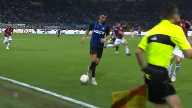 Watch https://www.youtube.com/watch?v=8HItRJqwPI8 GIF on Gfycat. Discover more 01, 2018-10-21t19, Derby, Highlights, Insigne, Stream, calcio, federcalcio, goals, higuain, home, icardi, inter, italia, partita, seri, soccer, watch GIFs on Gfycat
