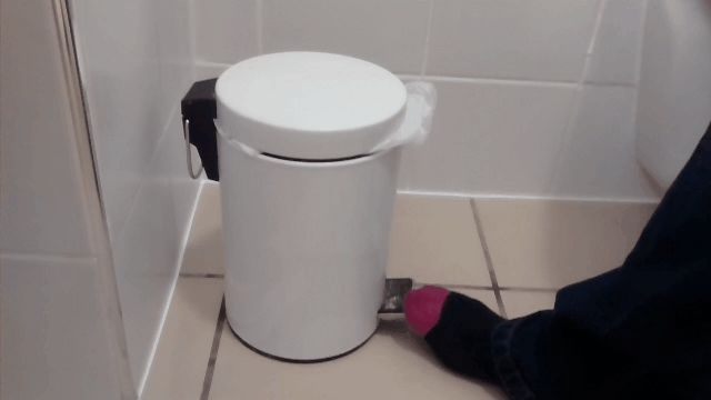 This garbage can. • r/CrappyDesign GIFs