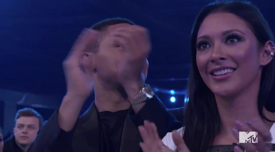 MTV Awards, MTVAwards, MTVAwards2017, applause, cheers, clap, Trevor Noah applause GIFs