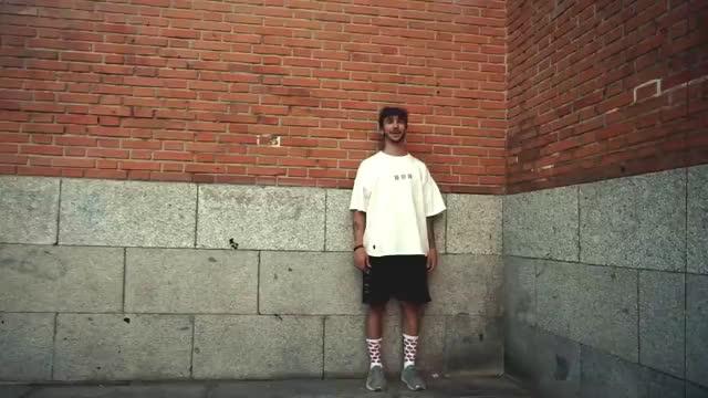 Watch El RETO MÁS DIFICIL DE PARKOUR - Wall run de 4 METROS  [GuilleWhat] GIF on Gfycat. Discover more Guille, Pintos, aventura, coca-cola, cosmin, guillewhat, madrid, parkour, retos, shifer, skuad, verano, vlog, what, whatparkour GIFs on Gfycat
