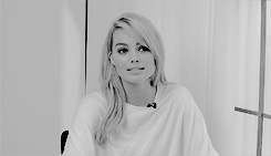 *, 1k, gifs*, margot robbie, margotedit, mrobbieedit, shes so beautiful im actually in love, margotrobbie GIFs