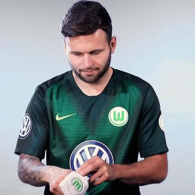 Watch and share 08 Prepare GIFs by VfL Wolfsburg on Gfycat