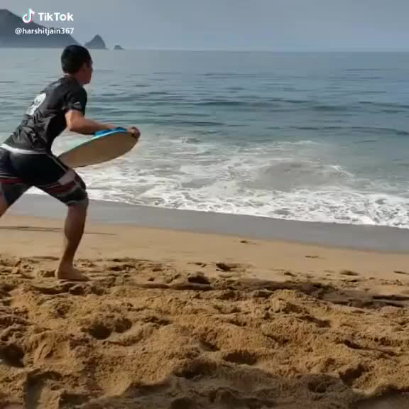 featureme, foryou, tiktok, tiktokindia, best stunt ever  ✌🏻🤘💥 #featureme #foryou #tiktokindia #tiktok #beach #bored #GoPop GIFs