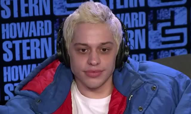 Watch this pete davidson GIF by GIF Queen (@ioanna) on Gfycat. Discover more ariana, began, cute, dating, davidson, epic, fake, funny, grande, ha, haha, hilarious, how, joke, joking, lol, pete, pete davidson, smile, to GIFs on Gfycat