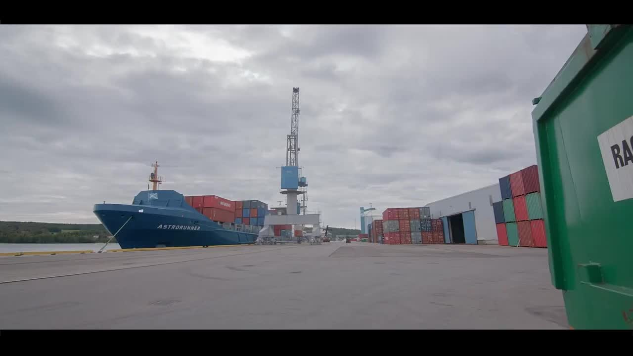 SCA Logistics' containerization video GIFs