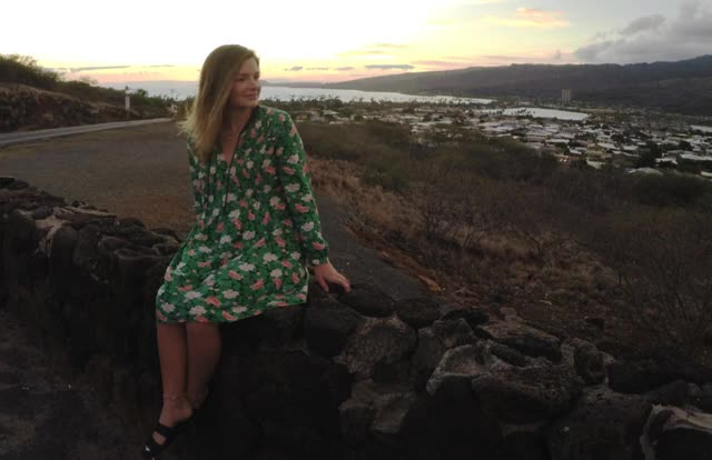 Watch Taylor Cinemagraph GIF by @trizephyr on Gfycat. Discover more Cinemagraph, Flowers, Green Dress, Hawaii, Sister, Sunset GIFs on Gfycat