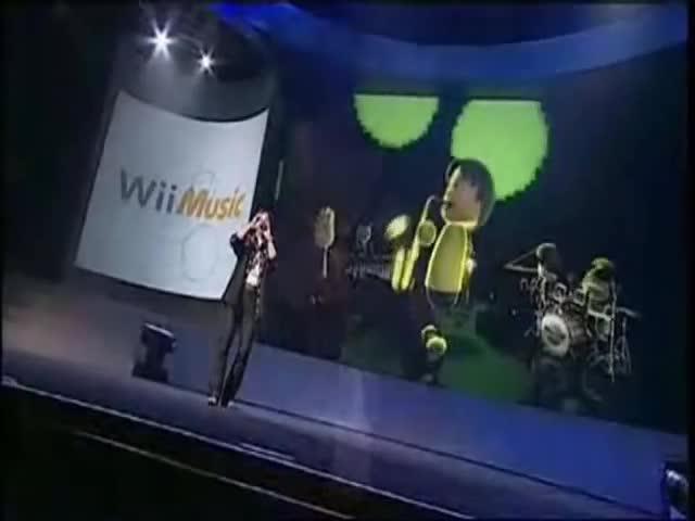 e3, miyamoto, music, nintendo, planetnintendo.it, shigeru, wii, Nintendo @ E3 2008 - Shigeru Miyamoto presents Wii Music and its main instruments GIFs