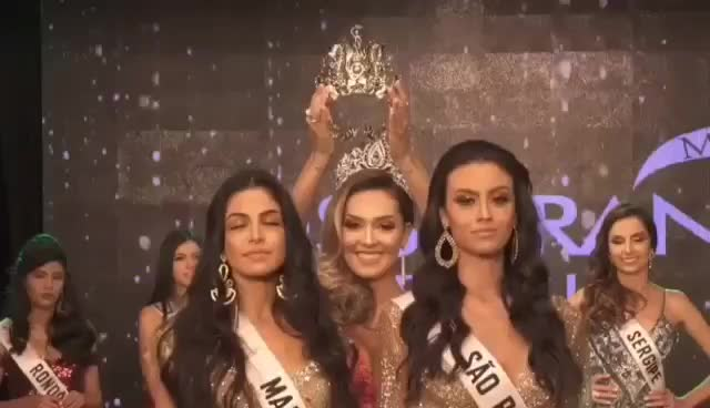 Lộ diện cựu hoa hậu ham vui nhất: Biết trước kết quả, ấn vương miện cho ai người đó thắng! ảnh 0
