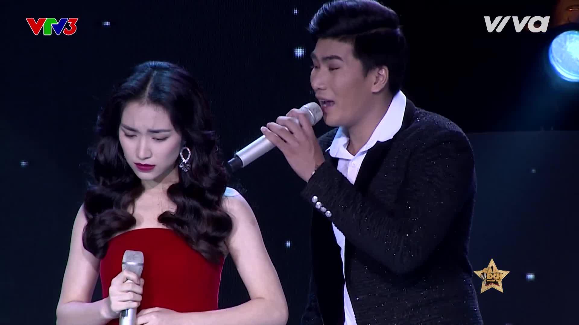 Sau màn đập ly đêm tân hôn, Hòa Minzy tiếp tục giận hờn ông xã Hoàng Ngọc Sơn