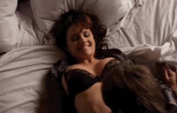 love seeing Carla Gugino shaking her assets