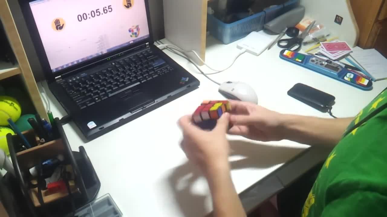 cubers, Rubik's cube - 7.00 average of 12 (reddit) GIFs