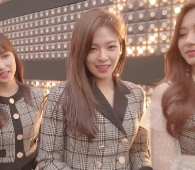 Watch Jeongyeon GIF by Blueones (@blueones) on Gfycat. Discover more jeongyeon, kpop, twice GIFs on Gfycat