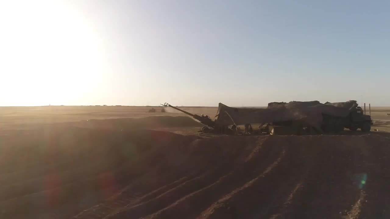 Incredible Footage Of USMC Artillery Firing On ISIS In Syria GIFs