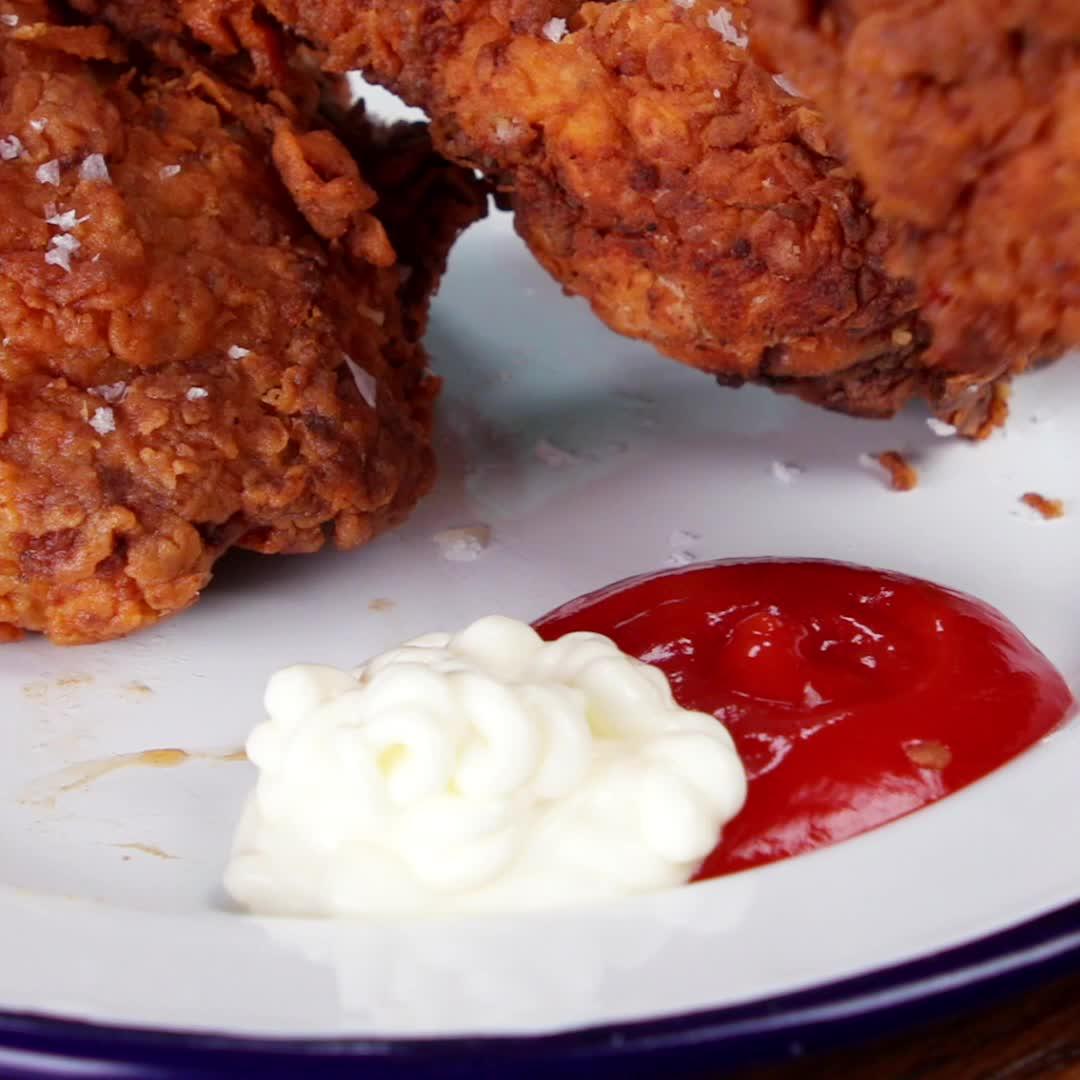 chicken, food, gifrecipe, recipes, tasty, Mob's Fried Chicken GIFs