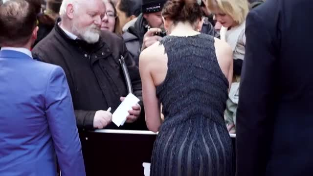 daisy Ridley needs to be fucked in the butt