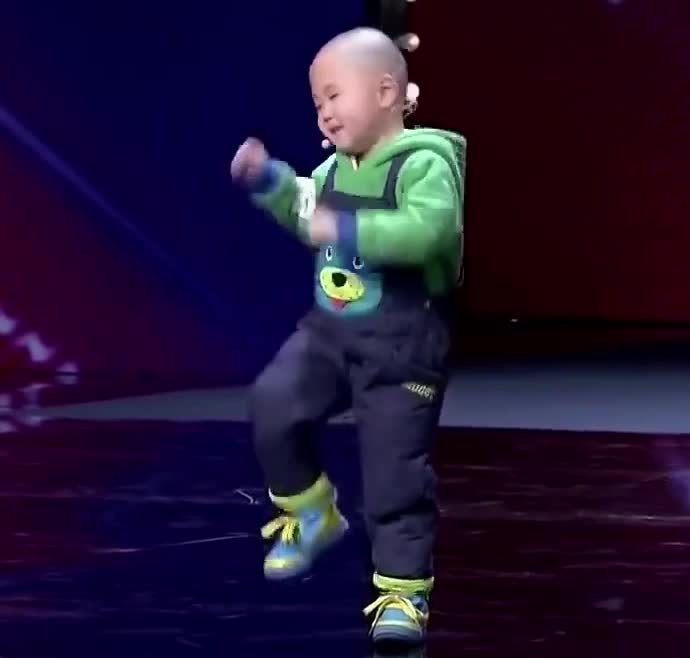 Adorable, Cute, Dancing, National Kid's Day, adorable-3-year-old-is-very-happy-to-dance,  GIFs
