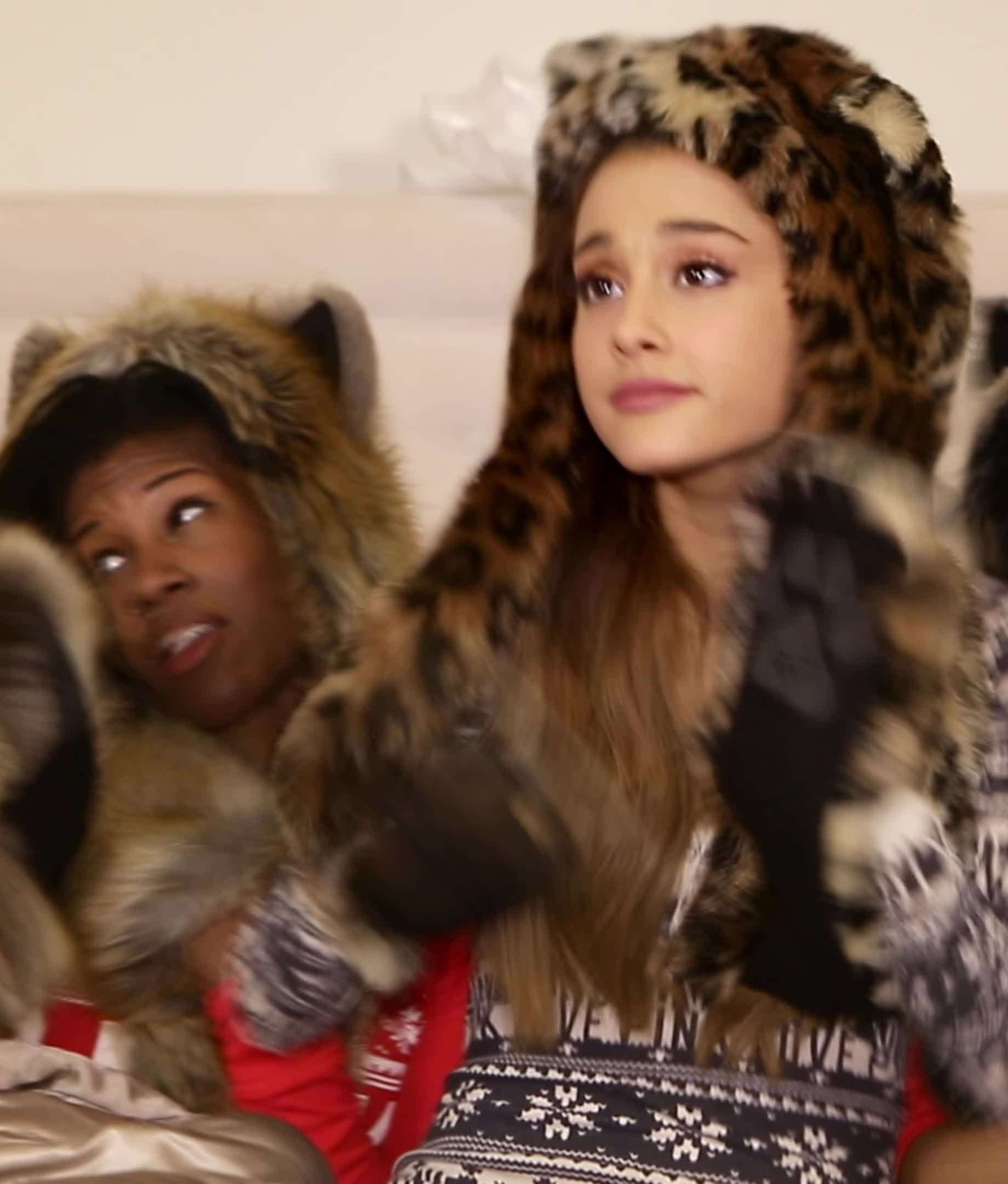 ariana grande, music video, santa tell me, UHD (1) - Santa Tell Me (MV) - 2014 GIFs
