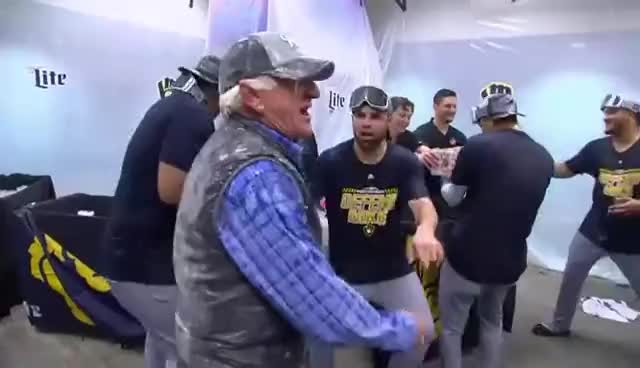 Brewers, Highlights, MLB, Ueker, nba, news, nfl, Bob Uecker celebrates with the Brewers | Sep 26, 2018 GIFs