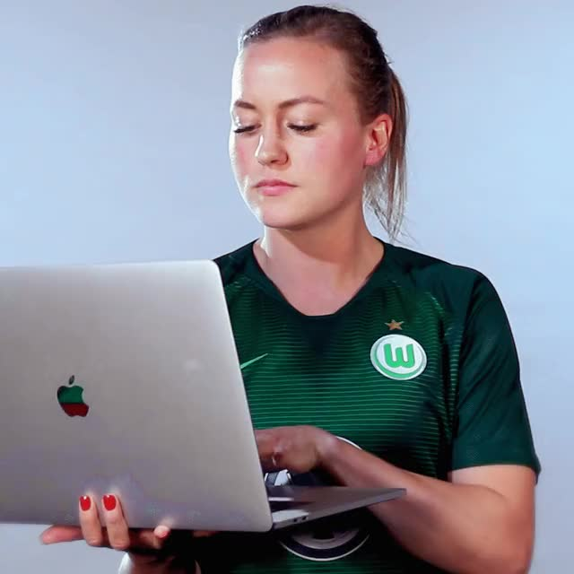 Watch 19 Laptop GIF by VfL Wolfsburg (@vflwolfsburg) on Gfycat. Discover more related GIFs on Gfycat