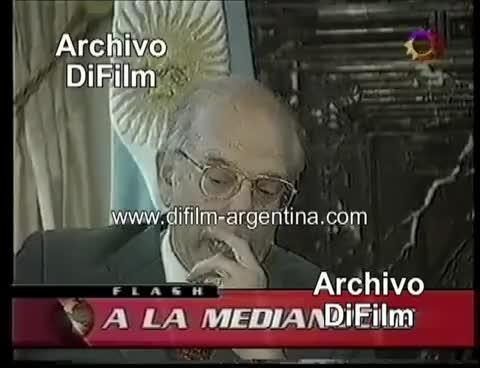 Watch and share El Presidente De Uruguay Batlle Le Pide Disculpas A Eduardo Duhalde - DiFilm (2002) GIFs on Gfycat