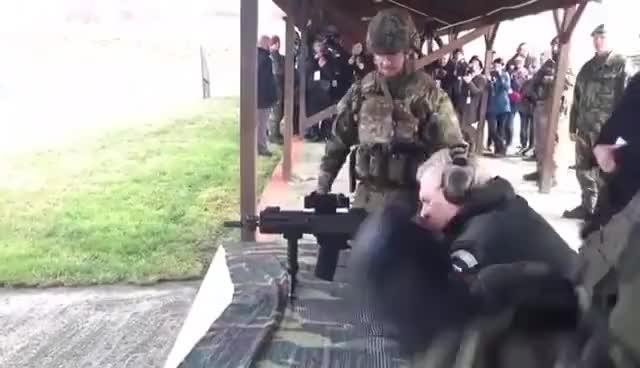 Watch Prezident Zeman střílel na vojenské střelnici ve Vršovicích u Loun z pušky Bren GIF on Gfycat. Discover more related GIFs on Gfycat