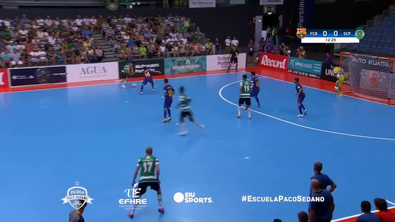 futsal, goalkeeper, sedano, Paradas Paco Sedano FCB vs. Sporting de Portugal Masters Cup 2017 GIFs