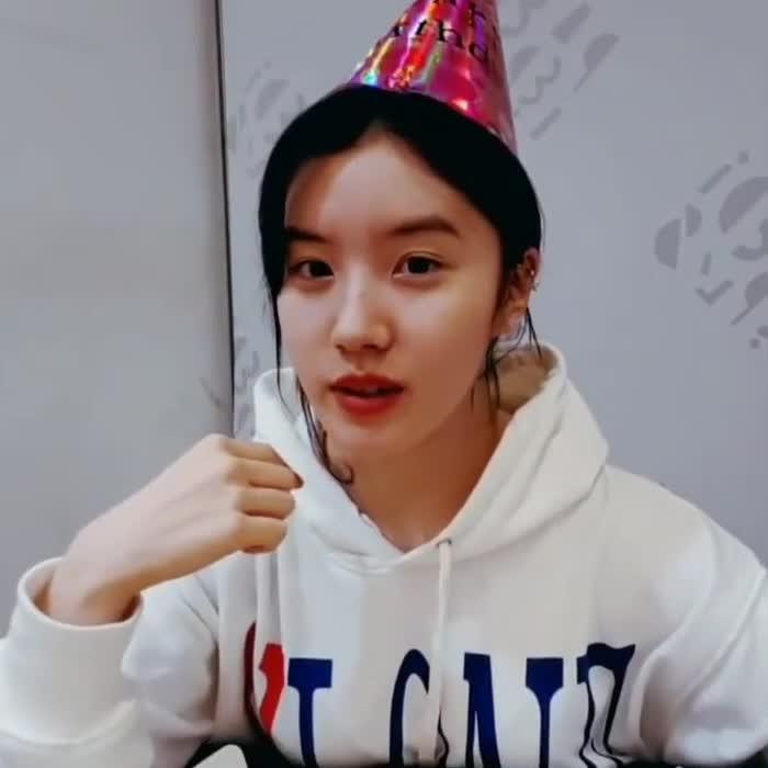 Pristin, Xiyeon, kpopgfys, MRW somebody calls me out my bs GIFs