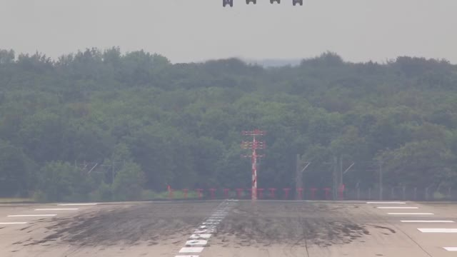 Watch and share Boeing 747 Landing GIFs and Very Hard Landing GIFs by deltakilo008 on Gfycat