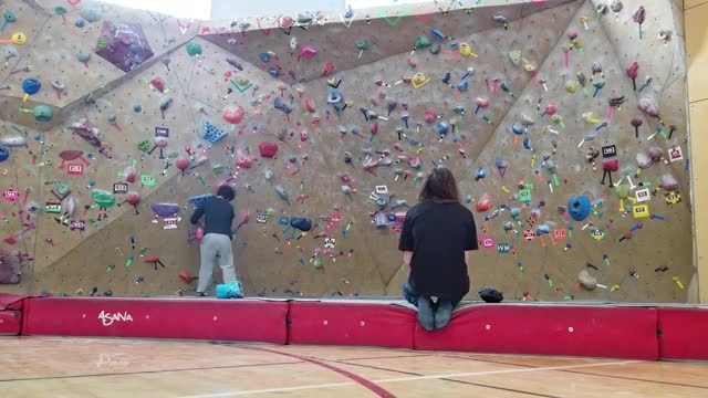 Watch and share Bouldering GIFs on Gfycat