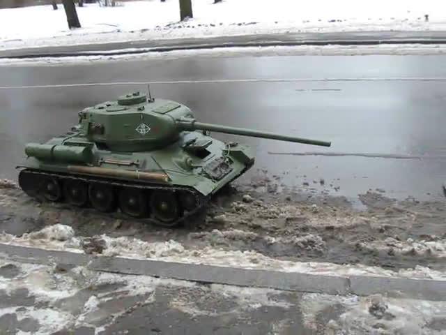 ANormalDayInRussia, CompanyOfHeroes, Tank Loading GIFs
