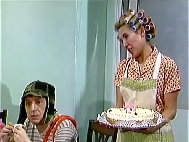 Watch Chaves - O aniversário do  Quico (1975) - YouTube (720p) GIF on Gfycat. Discover more Carlos, Turma, chespirito, do, girafales, jaiminho, las, madruga, mez, meza, os, piadas, quico, rasga, roberto, seca, semelhante, seu, teatro, zombeteiros GIFs on Gfycat