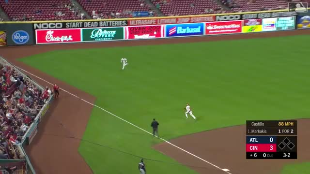 Watch and share Cincinnati Reds GIFs and Atlanta Braves GIFs by handlit33 on Gfycat