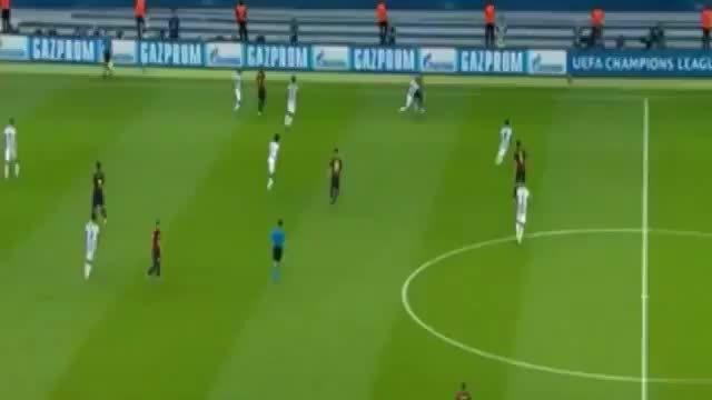 Dani Alves nutmeg Arturo Vidal + Fight final 2015 (reddit)