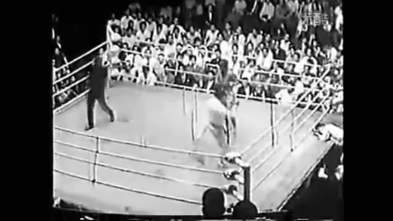 muay thai, sylvie von duuglas-ittu, thailand, The Origins of Japanese Kickboxing - The Fight that Started It All GIFs