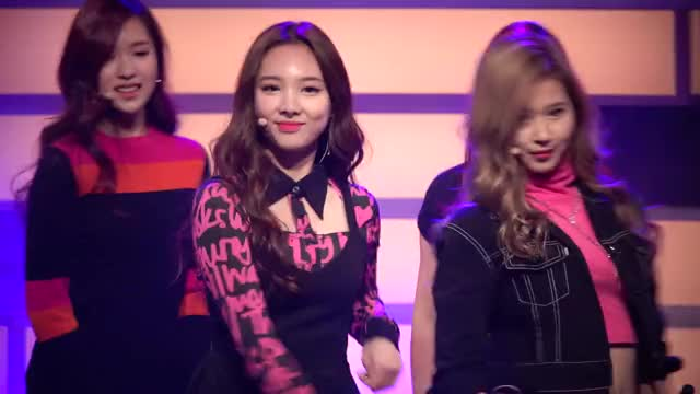 Watch and share Best Loa GIFs and Nayeon GIFs by Ahrigato on Gfycat