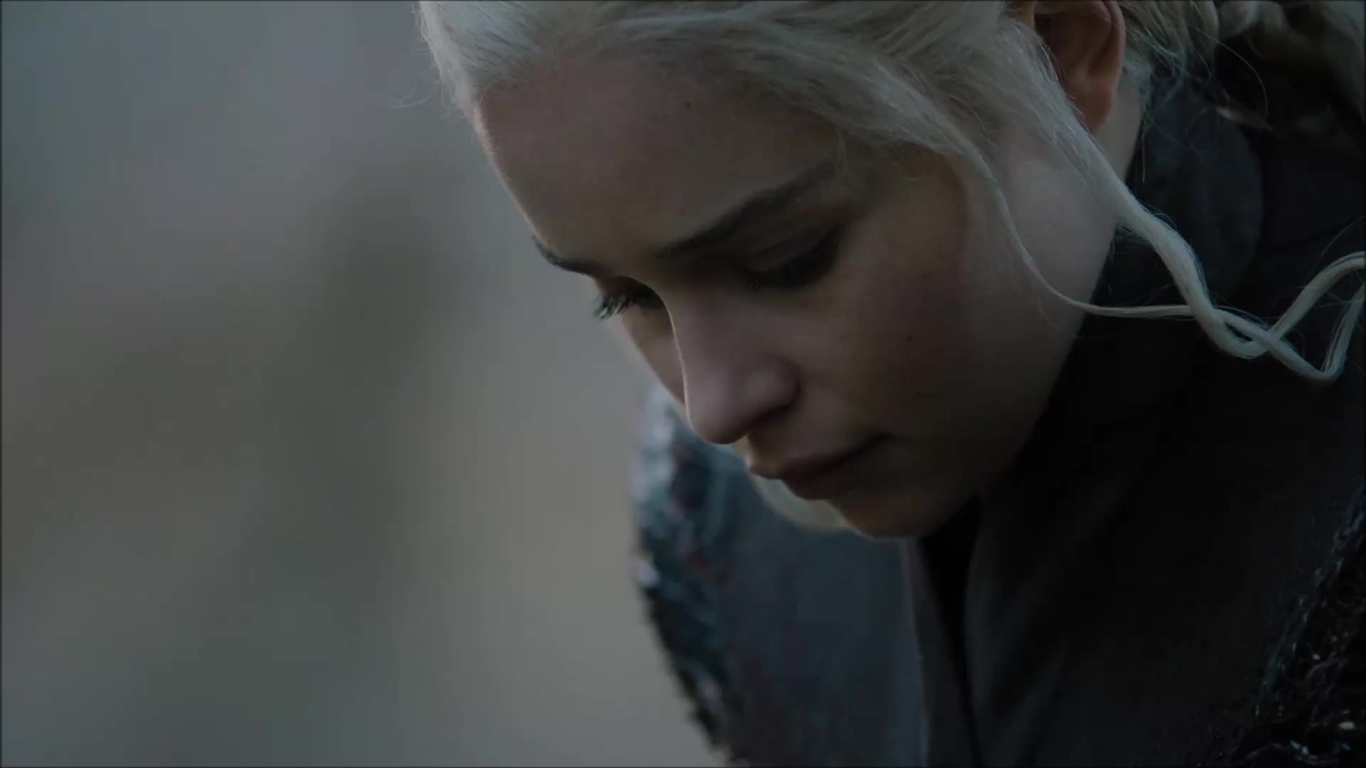 Emilia Clarke, Game of Thrones Season 7 Episode 1, GoT, GoT ep 1s7, game of thrones, She looks so lost. GIFs